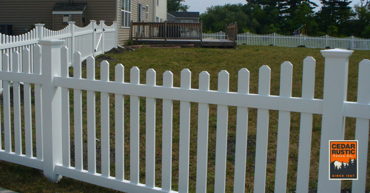 Dog Eared Scalloped Vinyl Picket Fence 7